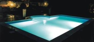 Styroporsteinbecken mit 1,5mm Schwimmbadfolie ausgekleidet.