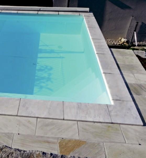 beckenrandsteine terrassenplatten aus marmor. Black Bedroom Furniture Sets. Home Design Ideas