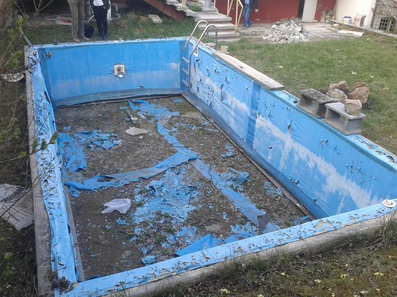 Wir sind ihr fachbetrieb zur betonbecken sanierung for Schwimmbadsanierung